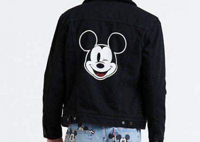 163650085 back pdp 400x284 - 10 Colecciones por el 90 Aniversario de Mickey Mouse