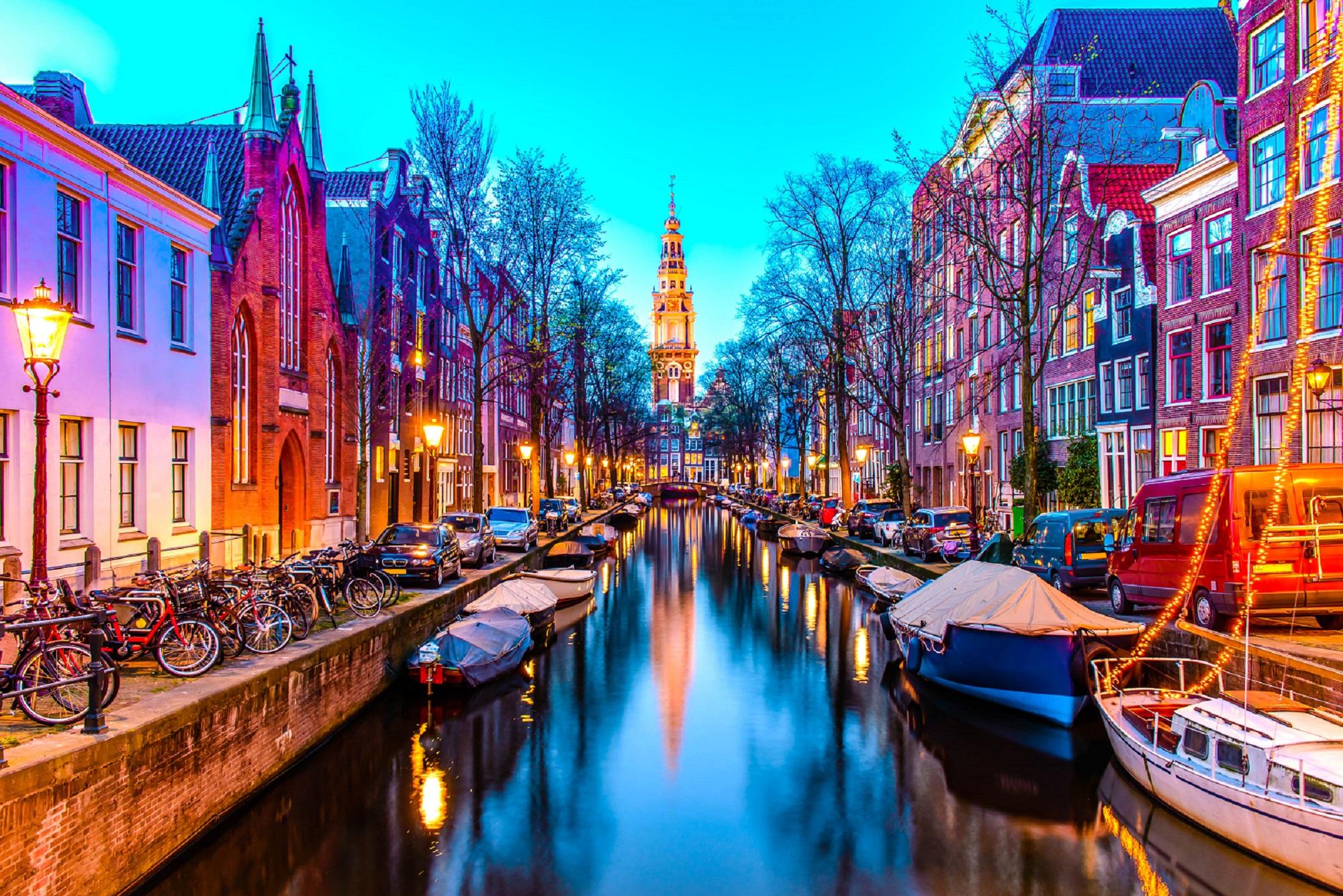 Zuiderkerk in Amsterdam iStock 528503566 2 titel 1 - Destinos Baratos Nochevieja 2018 Parte 1