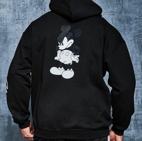 mzz54887 black xl 287x284 - 10 Colecciones por el 90 Aniversario de Mickey Mouse
